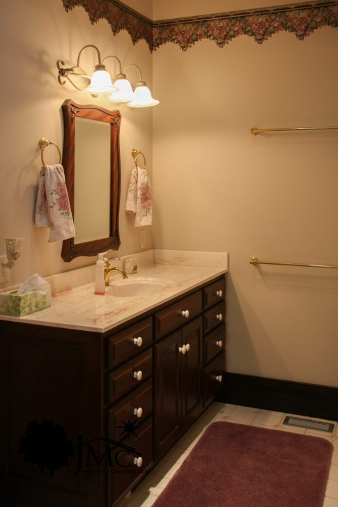 Large Bathroom Counter in Bremen, Indiana
