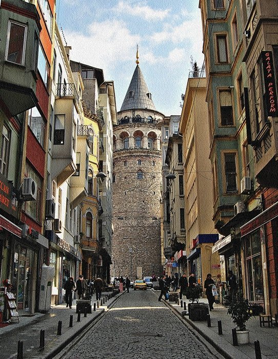 Galata neighborhood, in the Beyoglu district resembles more of Italy than an Islamic country.