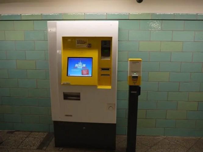 Berlin ubahn ticket machine