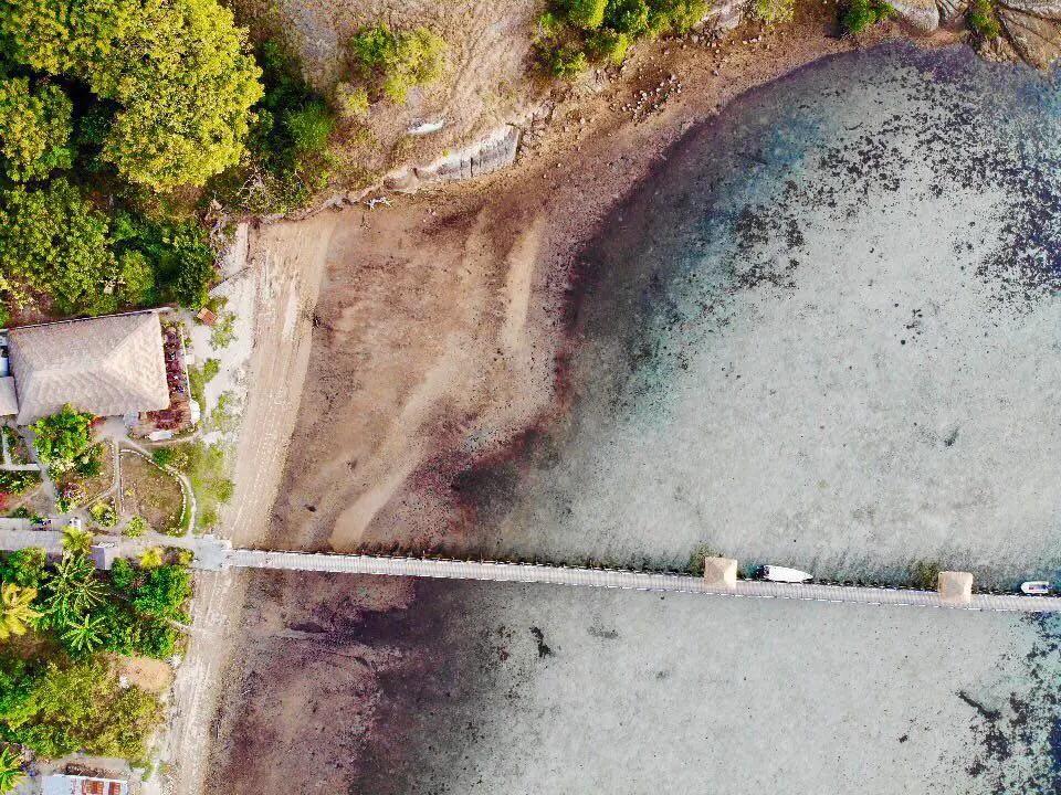 aerial image scuba junkie komodo