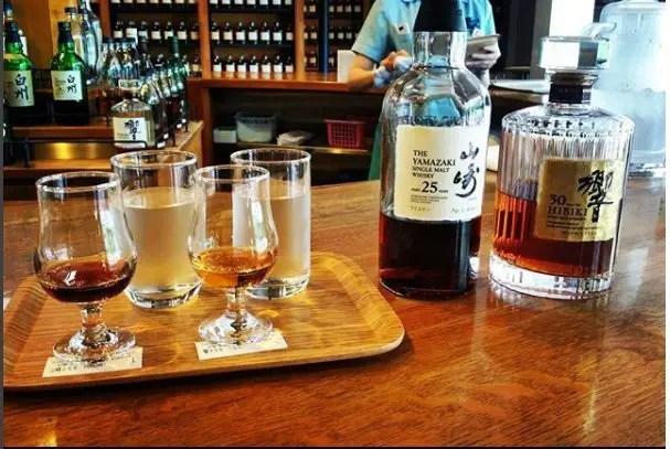 Suntory whiskey japan 25y