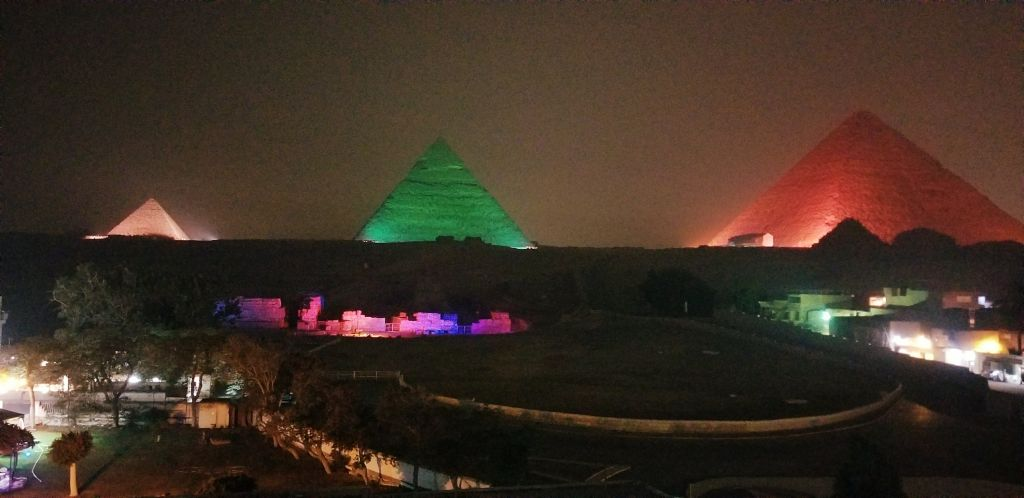 night time light show pyramids giza cairo egypt