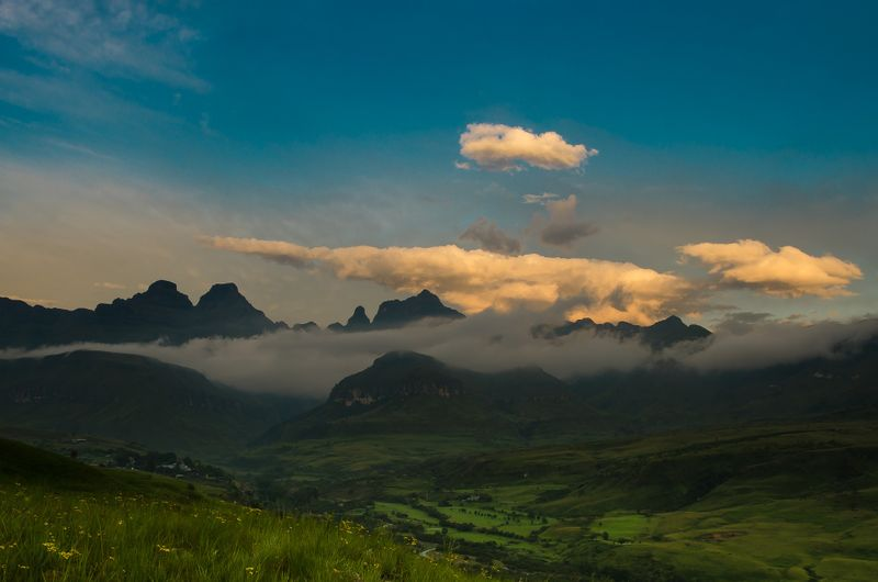 drakensberg-mountains-south-africa