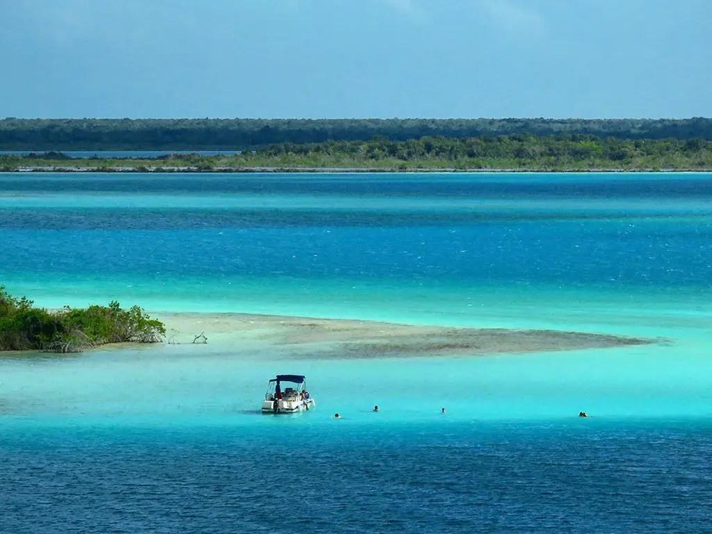 Bacalar lagoon mexico