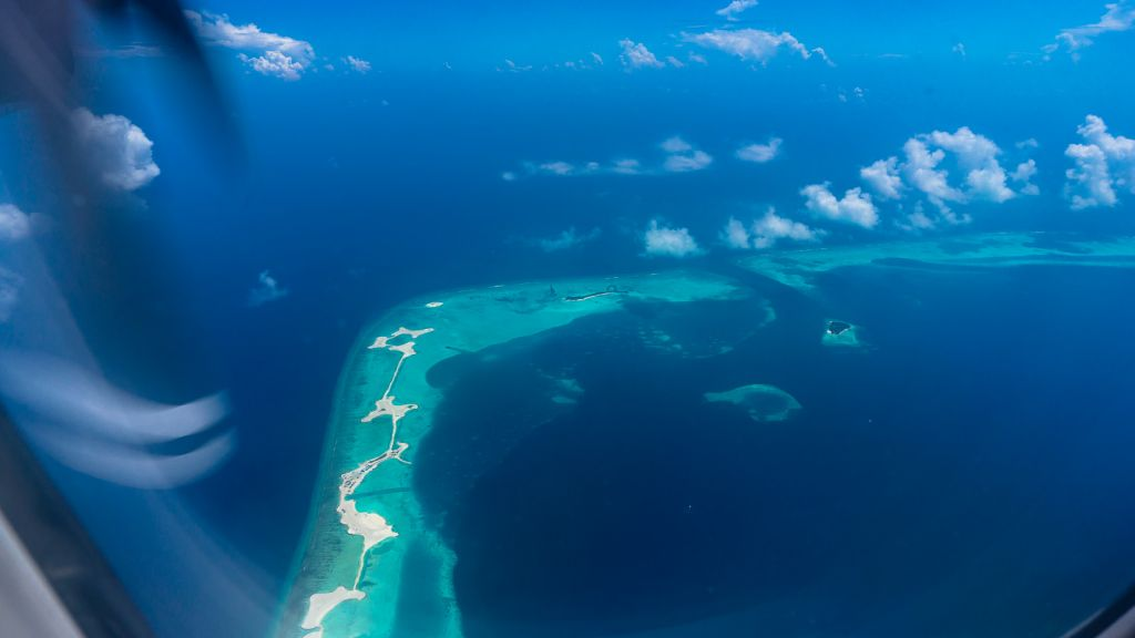 maldives aerial plane islands