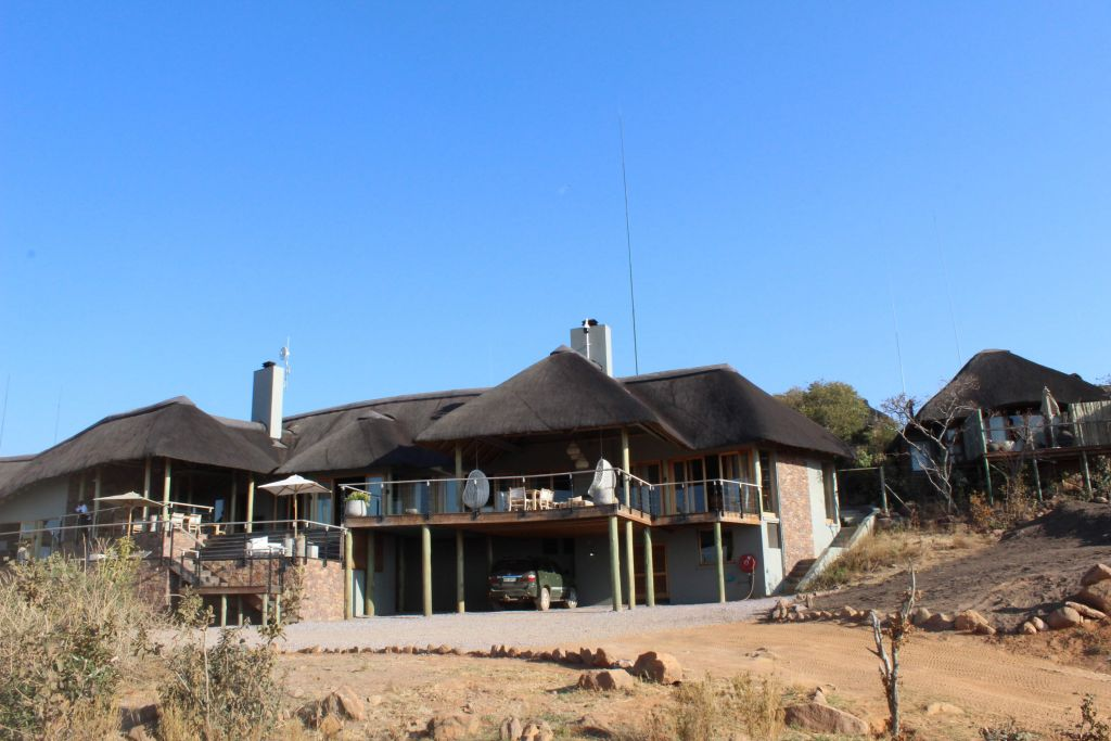 The Mhondoro Game Lodge