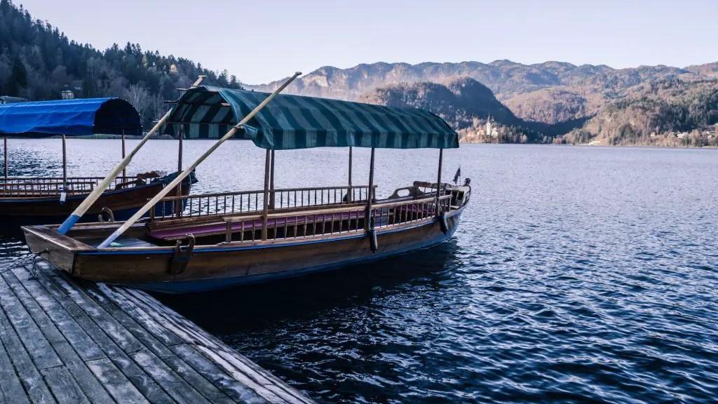 pletna boat