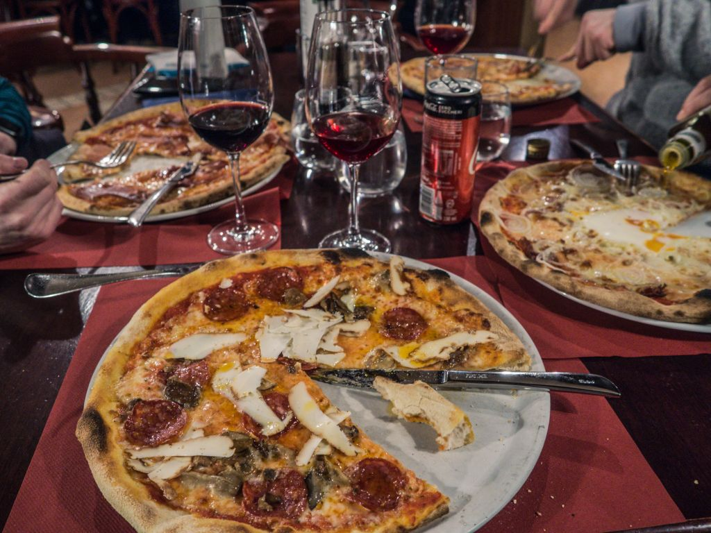 Pizza Black hill restaurant colfosco
