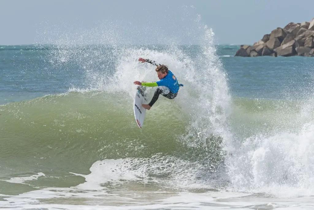 Peniche Portugal surfing