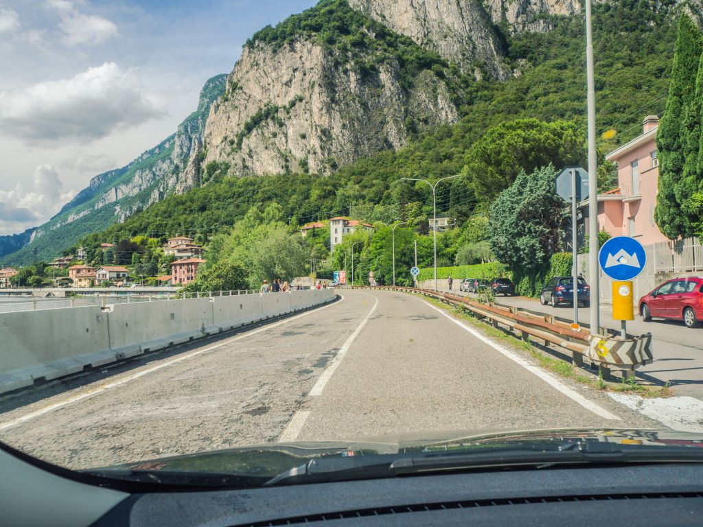 Views while driving in Lake Como