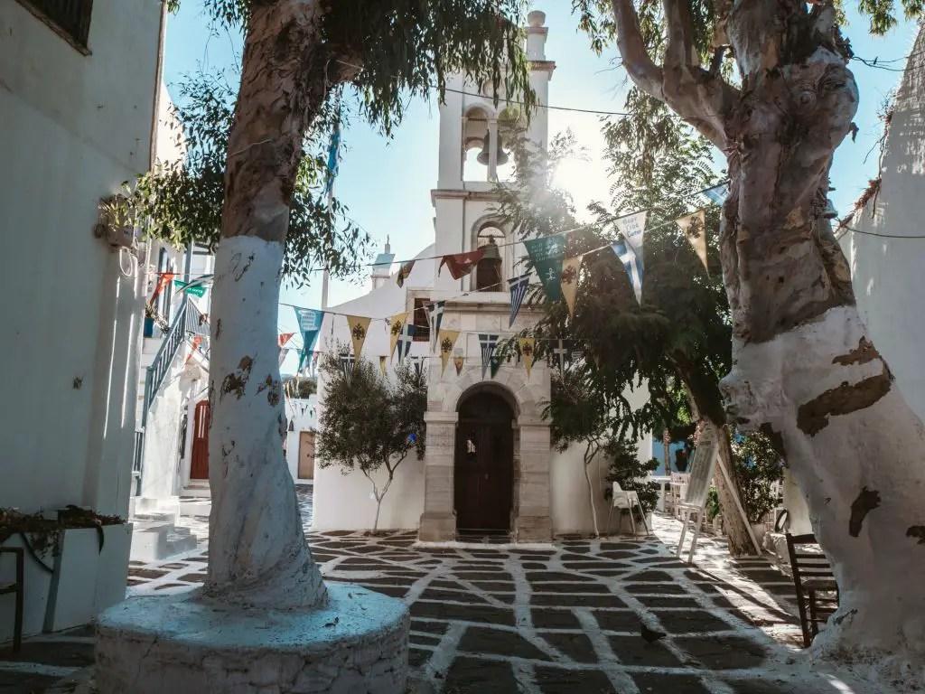 churches in mykonos