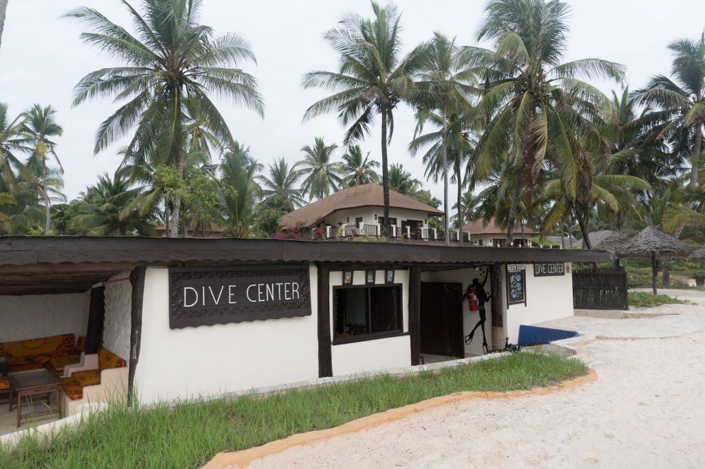 Rising Sun dive center