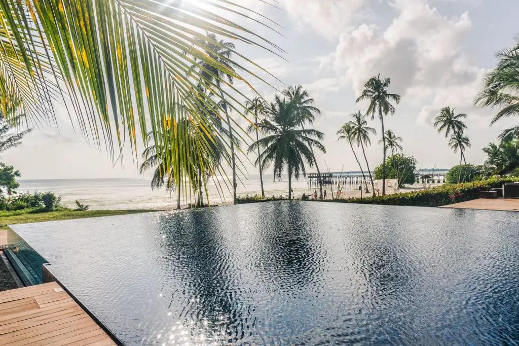 The residence zanzibar infinity pool