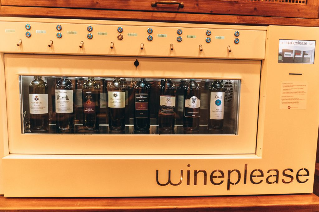 Wine bar machine