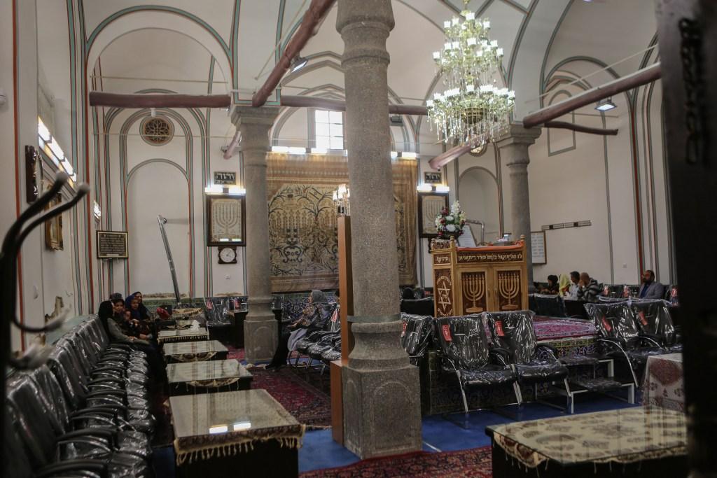 Esfahan Synagogue Ashura-2
