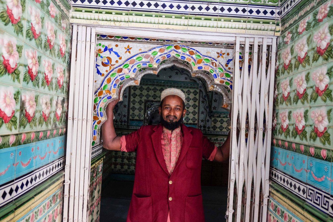 Star_Mosque_Tara_Masjid_Dhaka_Bangladesh-1735