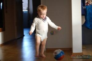 Anatol spielt Fußball