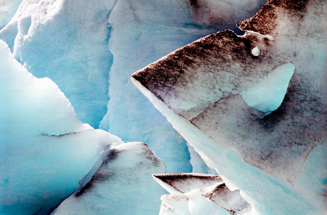 Glacier close up 02