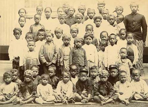 Schoolchildren, Dutch East Indies, photo by Hendrick Van Kol