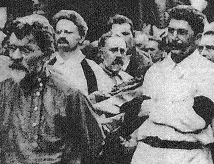 Trotsky Stalin Dzer burial 1926-4
