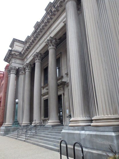 Louisville likes its columns.
