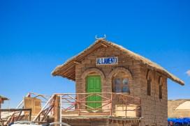 Quem quiser dormir em um alojamento de sal... Esse fica em Colchani.