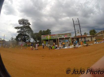 Market enroute to Kibale