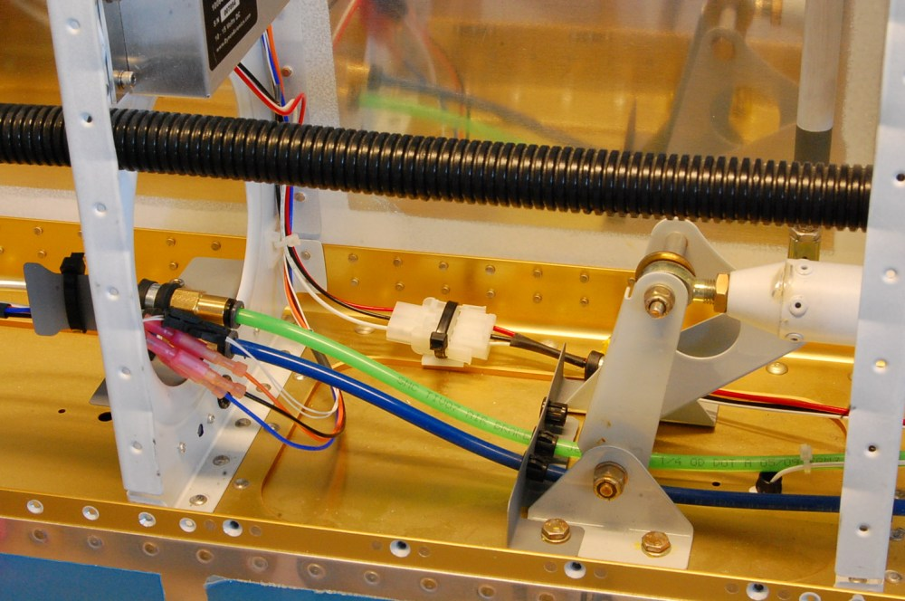 medium resolution of here is a view from the top so you can see the wiring routing better