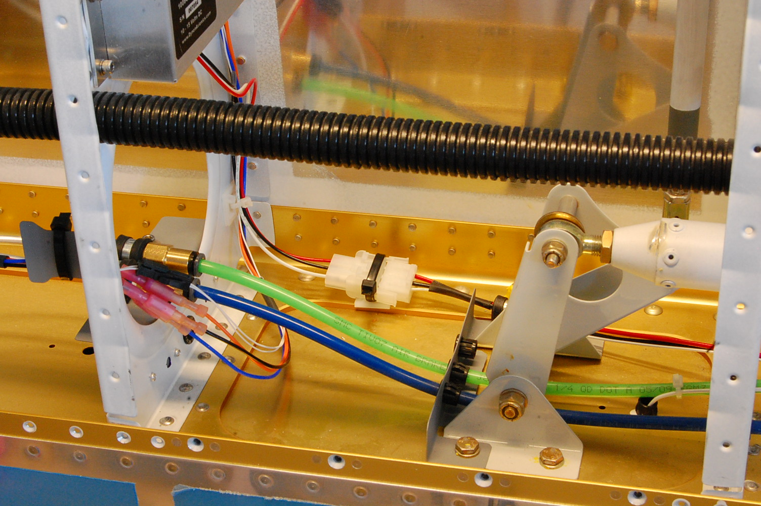 hight resolution of here is a view from the top so you can see the wiring routing better