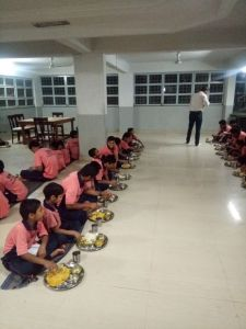 orphan house feeding kids