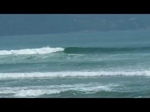 無人ブレイクを見せるベトナムダナンのビーチブレイク ミーケビーチ #トラベル #旅行 #followme