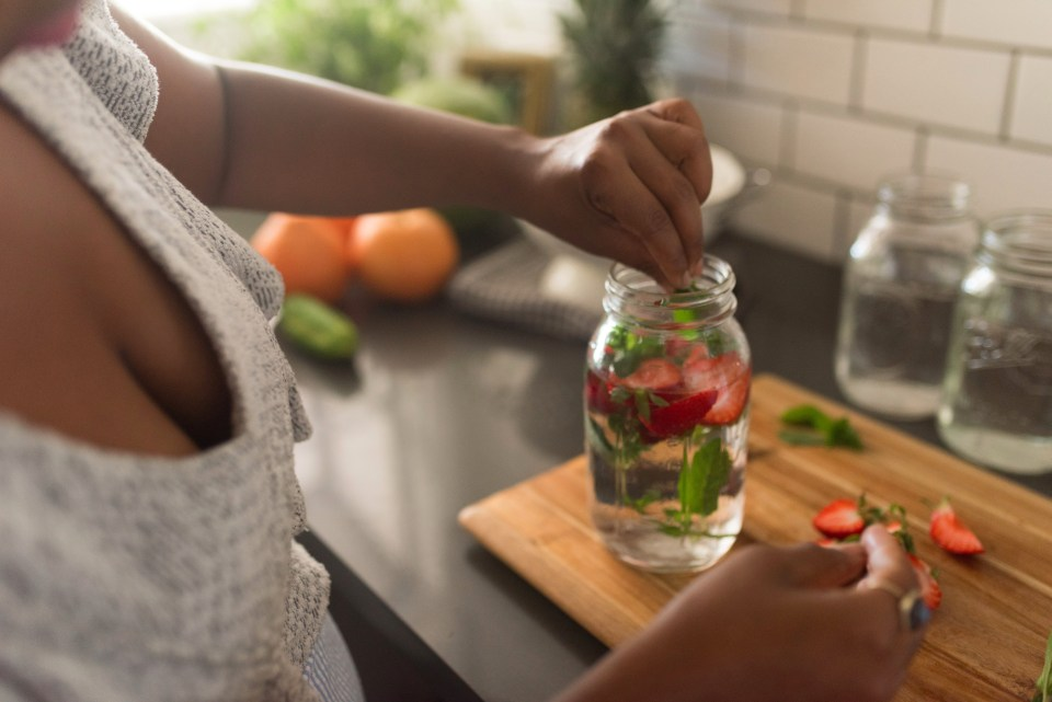 Strawberry & Chocolate Mint Water Infusion | Joi-Knows-How.com