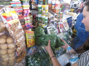 Buying coca leaves