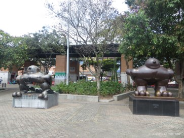 The sculpture on the left was blown up with a bomb and killed many people, Fernando Botero donated the second as a symbol for peace