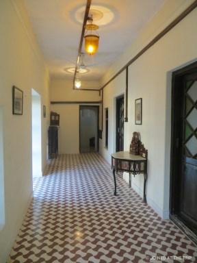 Interior coridor