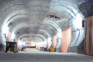 Подземная больница в соляной пещере