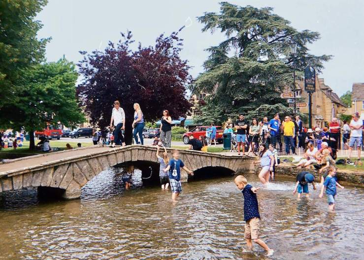 Cotswolds: Bourton-on-the-water