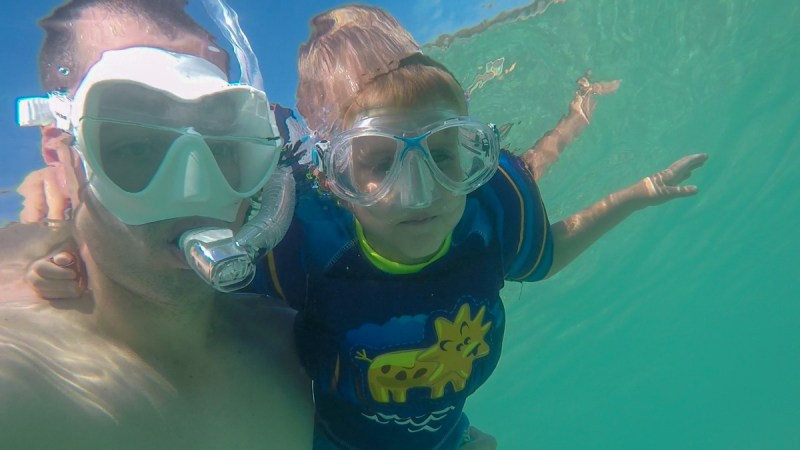 How to Snorkel-swimming with dad