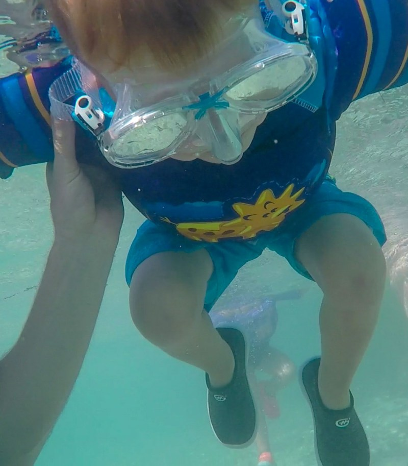 How to Snorkel boy under the water