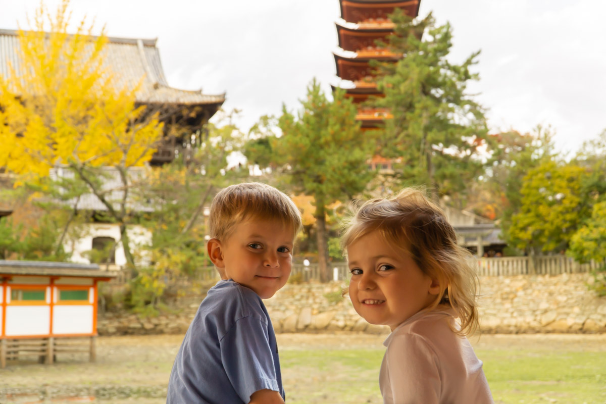Miyajima-Kids viewing Pagoda