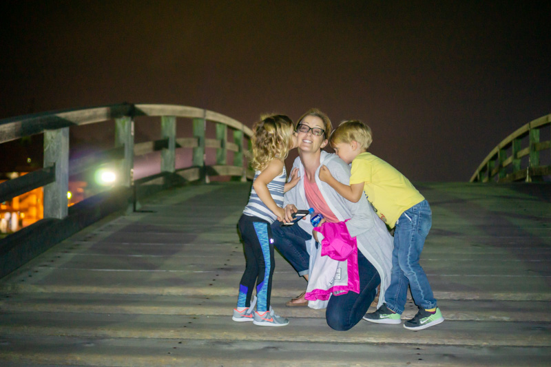 Ukai mom and kids on kintai bridge at night