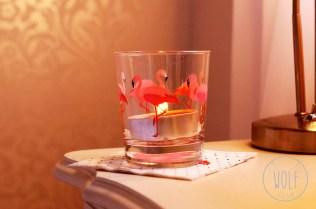 Das IKEA Trinkglas mit dem hübschen Flamingomotiv, habe ich zum Teelicht umfunktioniert.