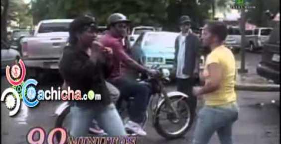 VIDEO Dos Vecinas se Entran ala Trompa miren esta pelea