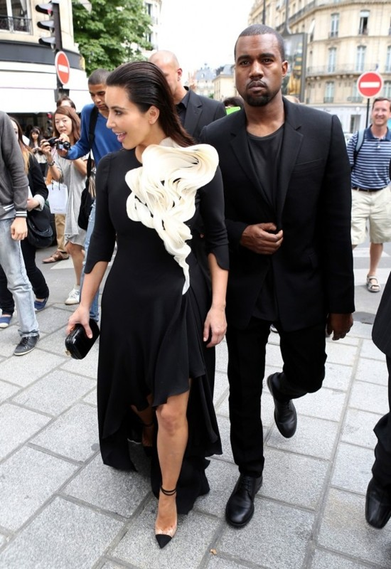 kim-kardashian-and-kanye-west-attend-stephane-rolland-s-fashion-show07