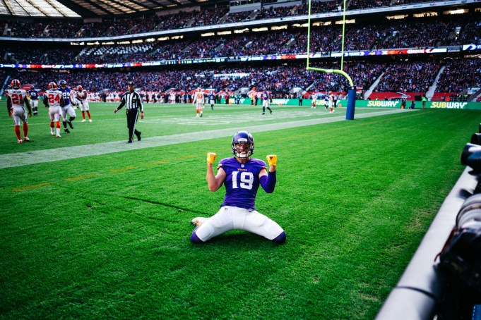 Adam Thielen and more under-the-radar picks for your daily fantasy lineup in Week 8