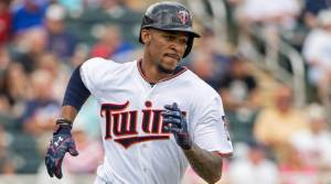 byron buxton rounds third base