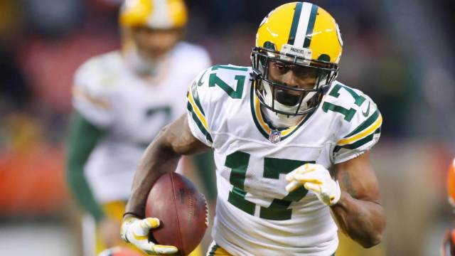 Davante Adams is one of our Week 15 Sneaky Plays for Your Daily Fantasy Football Lineup