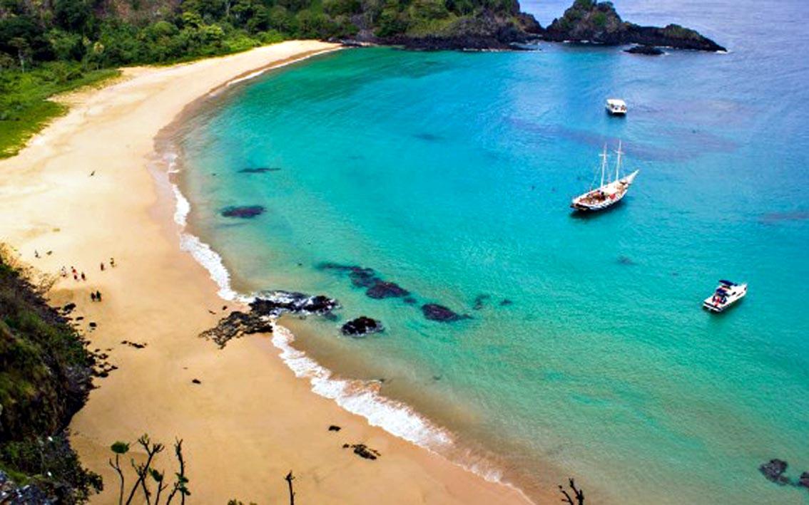Melhores destinos de praia | Baía do Sancho