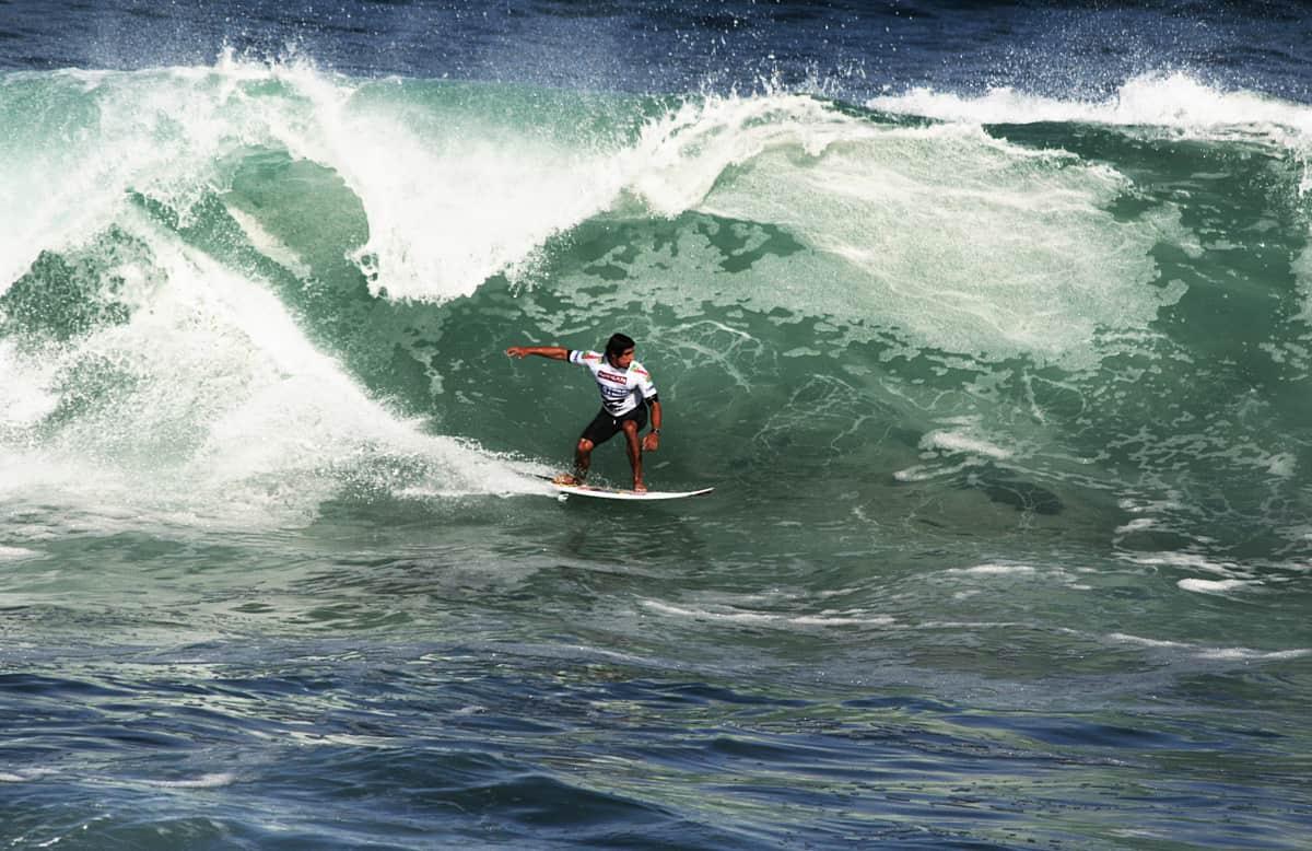 Surf na ilha de São Miguel, nos Açores