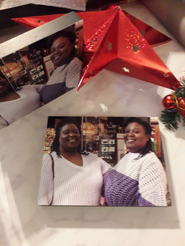 Did you know that you can personalise your gifts with Tesco photo? See what we got done from the full range of merchandise available. Pin for later too.